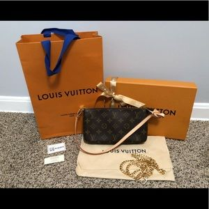 Louis Vuitton pochette accessories